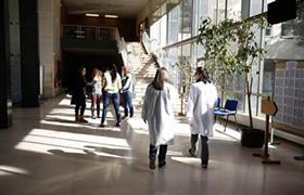 PACES : à la fac de Dijon, hypnose et massages pour déstresser les carabins